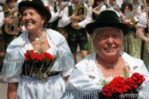 Großer Trachten-Festumzug Mammendorf