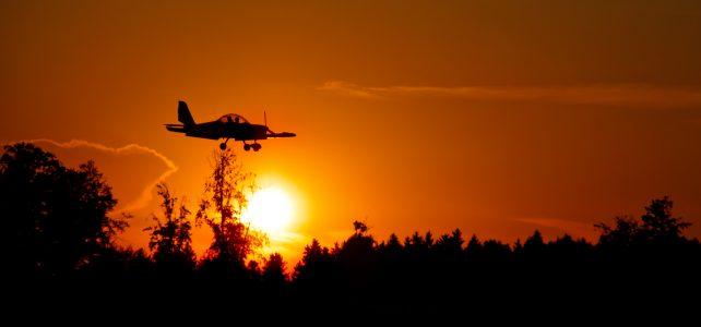 Flughafen Jesenwang bei Sonnenuntergang