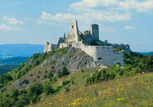 Die Burgruine von Čachtice